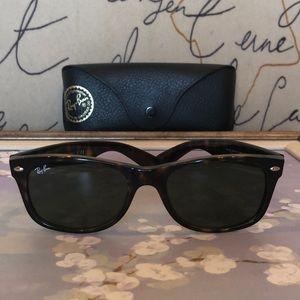 Ray-Ban tortoiseshell new wayfarer sunglasses